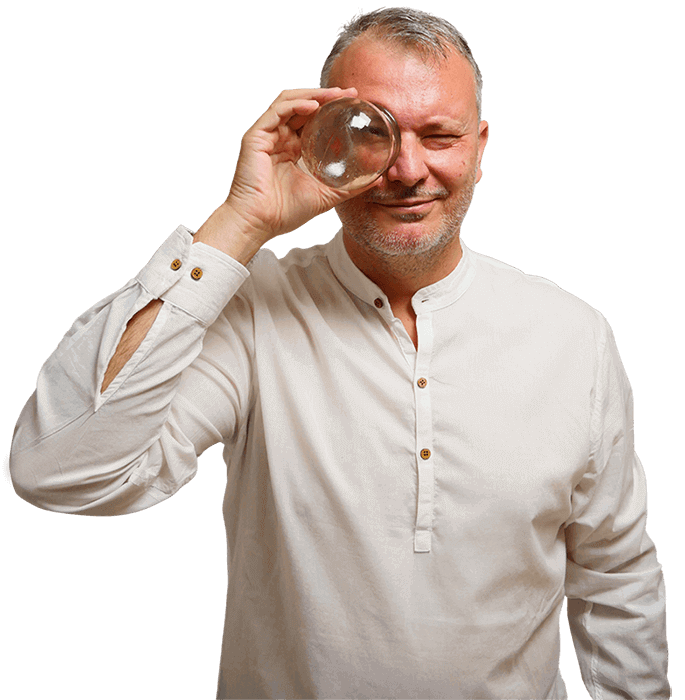 Fotografía del acupuntor valenciano Paco Lliso de Paco Lliso